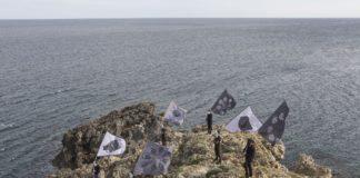Andreco, Parata per il paesaggio, performance prodotta da Ramdom, ph. Yacine Benseddik