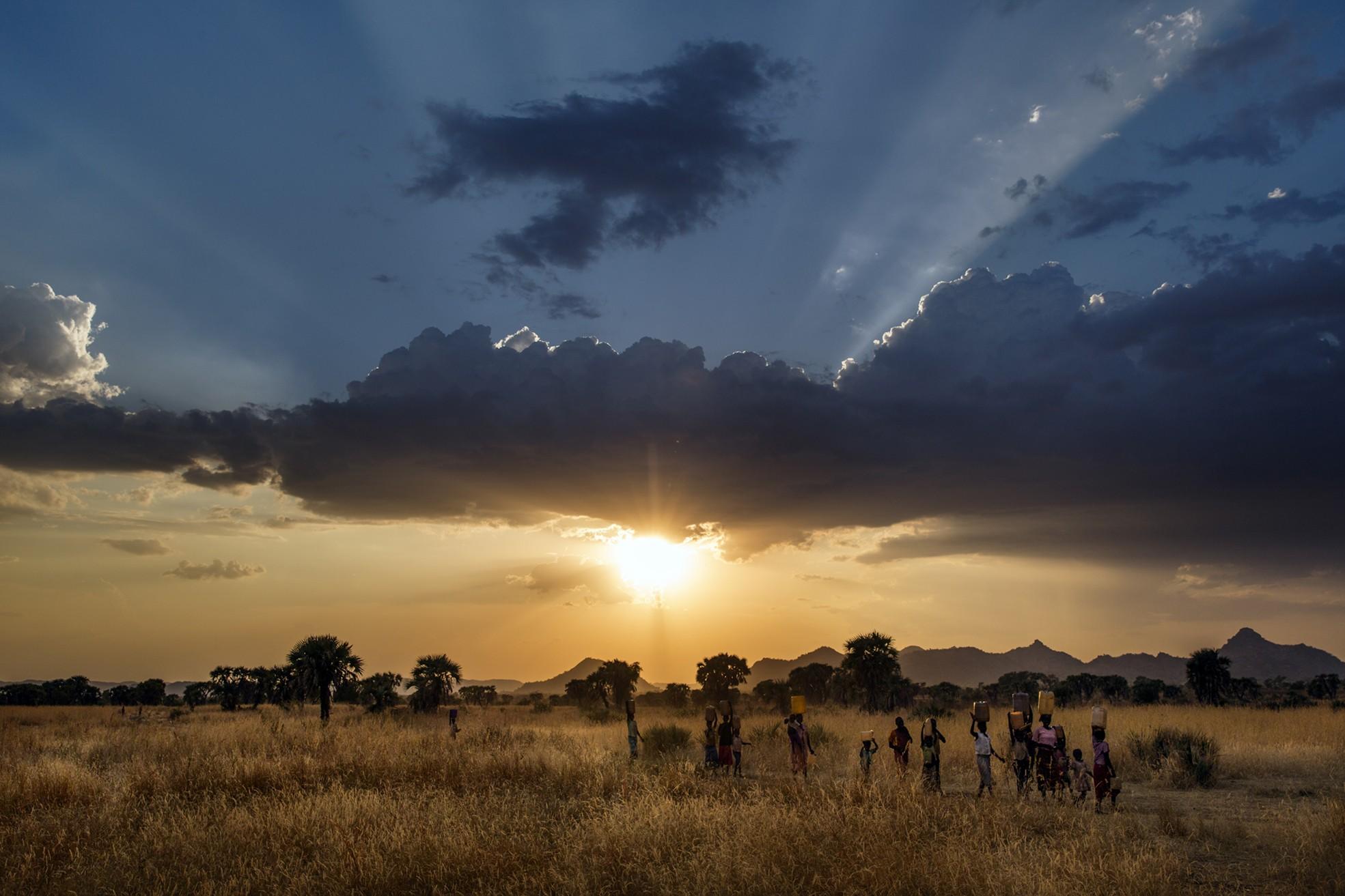 Sudan, Kordofan meridionale, 2013. Dal giugno 2011 il popolo delle montagne Nuba, da lungo tempo vittima di discriminazioni da parte del governo del Sudan del Sud, ha subìto una feroce campagna di bombardamenti aerei dopo lo scoppio degli scontri tra Khartum e i ribelli Nuba, le truppe SPLA-N. © Marco Gualazzini / Contrasto