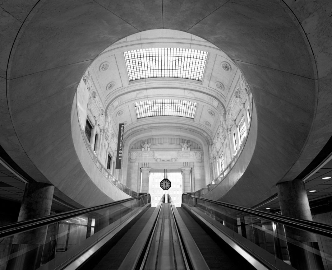 Niccolò Biddau, Stazione Centrale di Milano, 2008, Courtesy of 29 ARTS IN PROGRESS gallery
