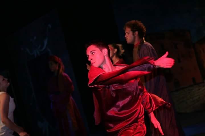 La danza contemporanea seduce Varese con la Compagnia Altroverso ...