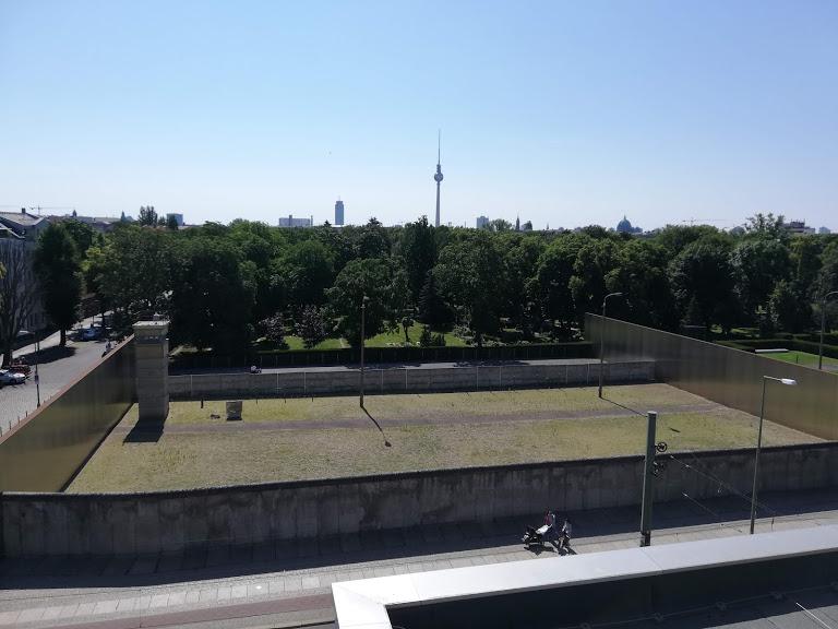 Il memoriale del Muro di Berlino sulla BernauerStraße, foto di Emanuele Sanzone
