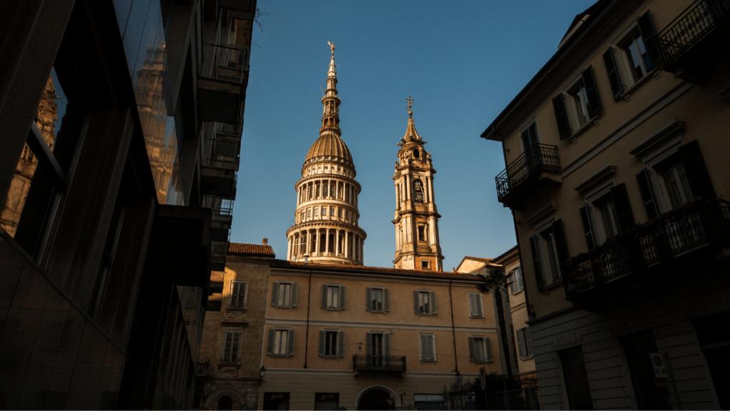 Novara, la città in cui si svolge la trama de La ragazza gazzella